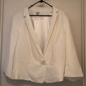 White blazer with 3/4 length sleeves